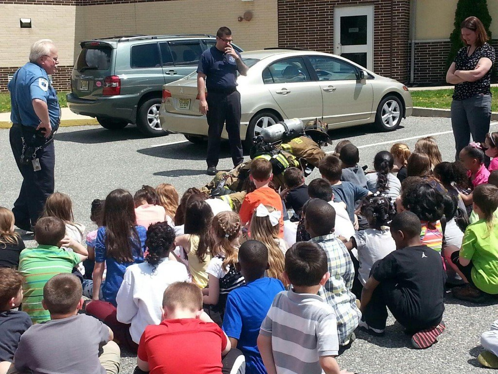 Engine 921 and Crew Presents Fire Safety Message to 2nd Graders