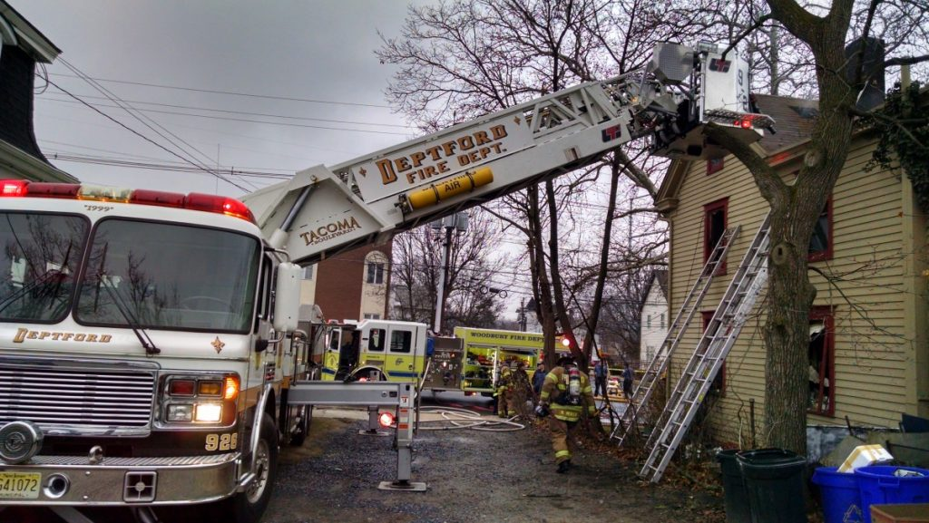 Tower 926 Responds to All Hands Dwelling Fire in Woodbury